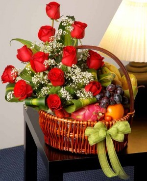 12 Red Rose+2 Kg Fruits